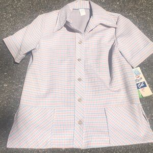 Tops - Vintage Clothing with tags size 18 fits like a lge